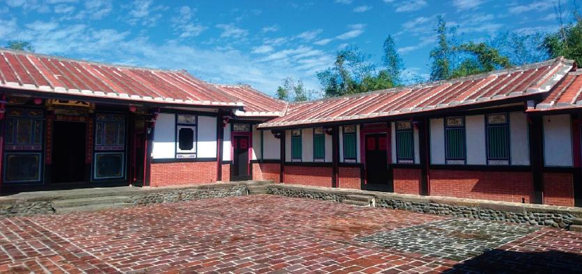 壁面華麗的閩南式民居