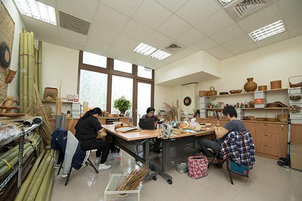 小小的編織教室,充滿了無限的夢想