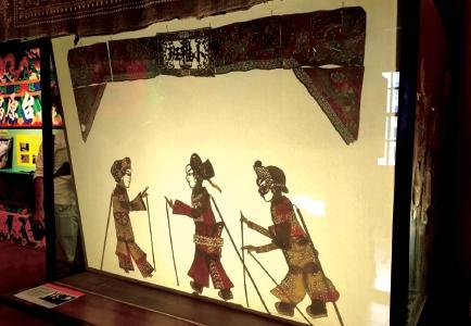 皮影戲偶/ 攝於台原亞洲偶戲博物館