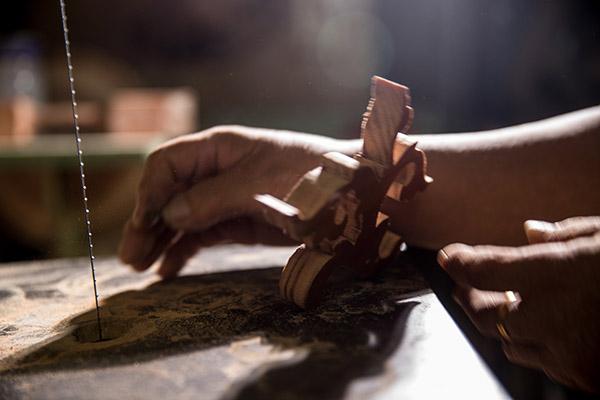 線鋸與鑿花半成品的懸殊比例