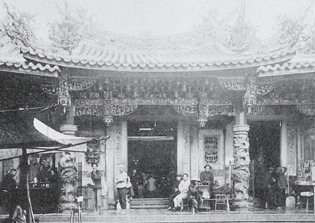 在過去廟宇常為地方的文化中心,經常集結社團,舉辦文教相關事業活動