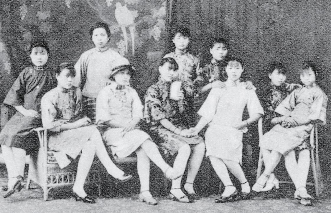 民國初期的臺灣女性,身著大襟衫