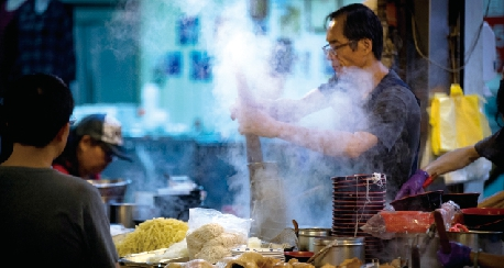 近代的市場文化,圖為大湳市場小吃攤